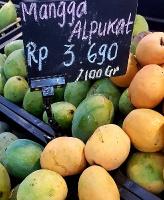 Travelnews.lv iepazīst pārtikas veikala piedāvājumu Bali salā (1 eiro - 15000 rūpijas) «Turkish Airlines» un «365 Brīvdienas» 2