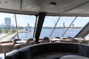 Greznais kuģis, kas parasti kursē maršrutā Helsinki – Stokholma, šovasar – jūlijā un augusta pirmajā pusē – apkalpos pagaidu maršrutu Helsinki–Rīga 27