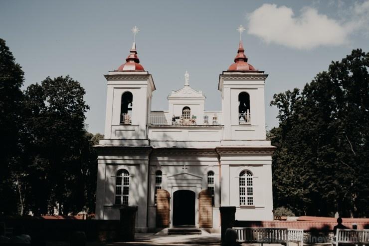 Kurmenes katoļu baznīcā vērienīgi atzīmē 150 gadu jubileju