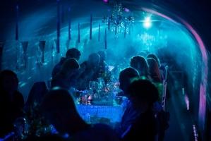 Liepājas Karostā uz smalkām pazemes vakariņām pulcējas garšu un mākslas cienītāji 14
