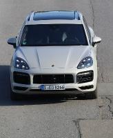 Travelnews.lv apceļo Rīgu ar jaudīgo un jauno «Porsche Cayenne GTS» 9