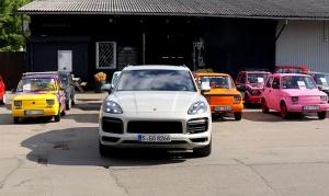 Travelnews.lv apceļo Rīgu ar jaudīgo un jauno «Porsche Cayenne GTS» 18