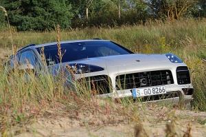 Travelnews.lv apceļo Rīgu ar jaudīgo un jauno «Porsche Cayenne GTS» 40