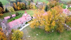 «Rankas muiža» ietērpusies košās rudens krāsās. Foto: Rankasmuiza.lv 4