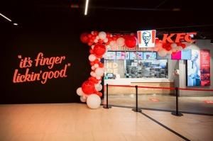 Rīgā durvis ver jauns KFC restorāns. Foto: Otto Strazds 2